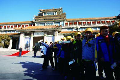 大众美育的殿堂 文化创造的场域——新中国美术馆事业70年回眸