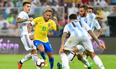 Brazil's Miranda silences Argentina with last-gasp winner