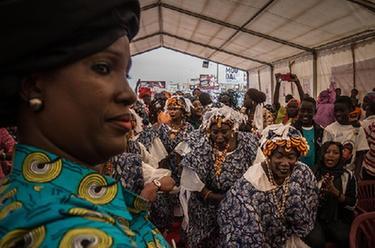 塞内加尔妇女庆祝政府打击针对妇女暴力犯罪