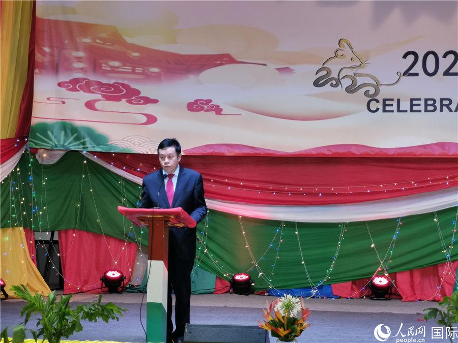 我赴刚果(金)维和医疗队参加中国驻布隆迪大使馆新春团拜会