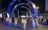淮安百名大学生街头上演快闪秀 展示青春为建国70周年喝彩(视频)