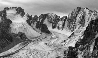 Scientists warn of China's disappearing glaciers