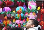 南京娃娃欢度中国年(组图)