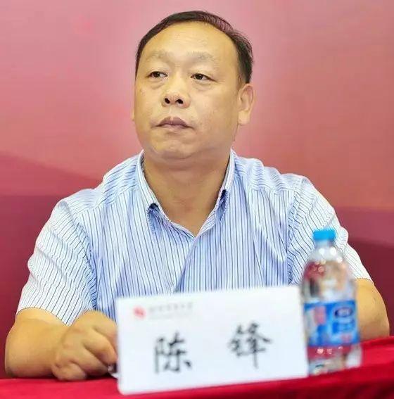 献身中国专门教育的年轻人——记宜昌陈锋专门学校校长陈锋和他的团队