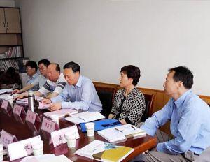 2015年5月13日和18日,浙江省人大常委会副主任袁荣祥到治水办、三改一拆办调研。