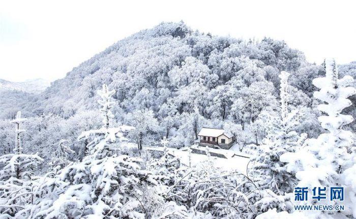雪后初霁紫柏山