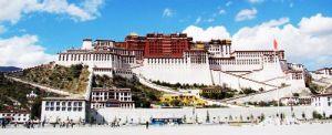 始建于7世纪的布达拉宫