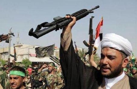 """伊拉克民兵组织击退""""伊斯兰国""""武装分子袭击"""