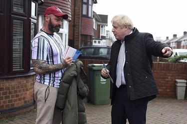 英国首相鲍里斯·约翰逊为大选拉票