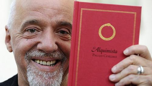 巴西作家保罗·柯艾略(Paulo Coelho)和他的《牧羊少年奇幻之旅》